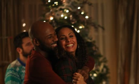 Cute Couples and Mistletoe - A Million Little Things Season 1 Episode 10