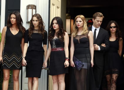 Watch Pretty Little Liars Season 4 Episode 1 Online