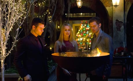 Family Christmas? - The Originals Season 3 Episode 9