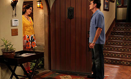 "Two and a Half Men Review: ""The Crazy Bitch Gazette"""