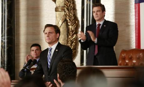 Standing Behind Fitz - Scandal Season 4 Episode 2