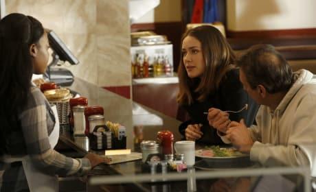 Liz on the Hunt - The Blacklist Season 5 Episode 10