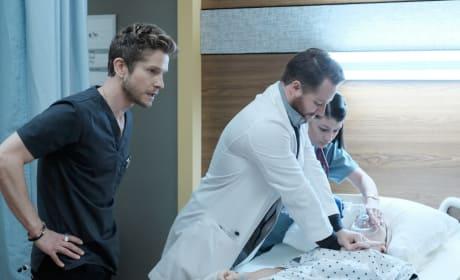 Calling a Code - The Resident Season 1 Episode 9