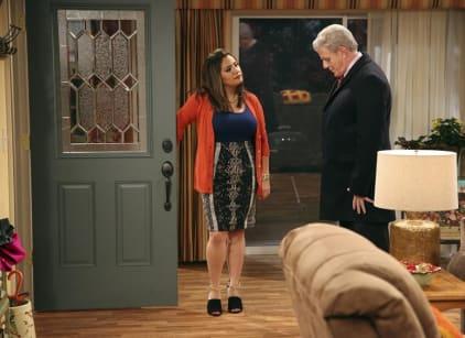 Watch Cristela Season 1 Episode 10 Online