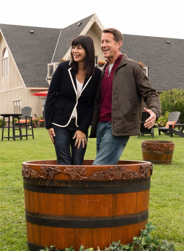 Stomp on Those Grapes! - Good Witch Season 5 Episode 3 - TV Fanatic