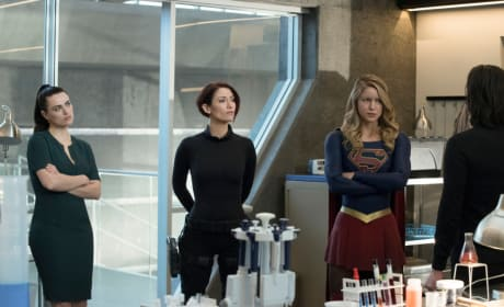 Lena at the DEO - Supergirl Season 3 Episode 17