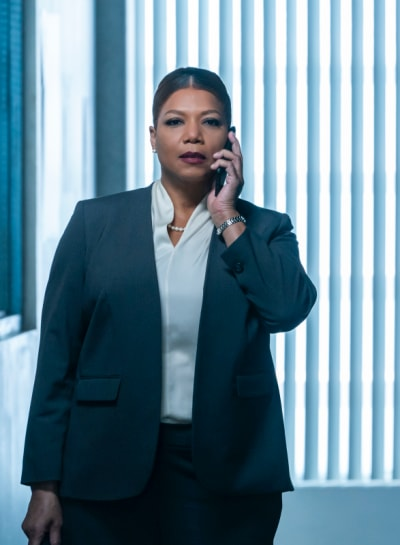 Taking a Call - The Equalizer Season 1 Episode 1
