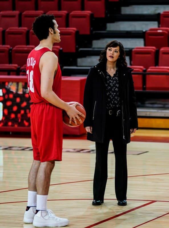 Baez Interviews a Basketball Player - Blue Bloods Season 9 Episode 12