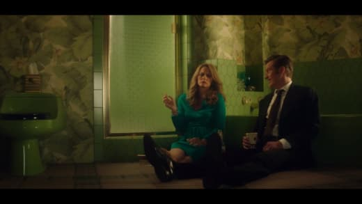 The Bathroom Floor - American Woman Season 1 Episode 10