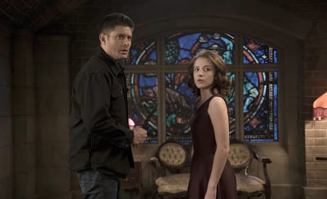 Who's at the door? - Supernatural Season 11 Episode 6