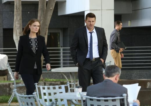 Booth and Brennan Pic - Bones Season 10 Episode 2