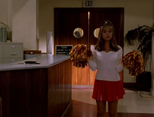 Buffy, The Cheerleader - Buffy the Vampire Slayer Season 1 Episode 3