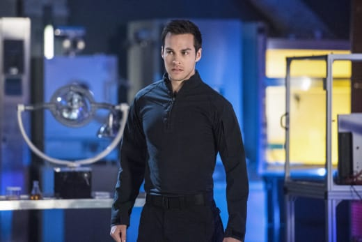 Mon-El - Supergirl Season 2 Episode 20