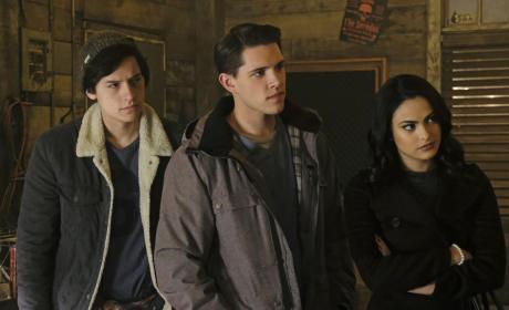 Following A Lead - Riverdale Season 1 Episode 12