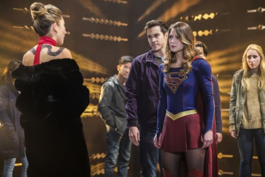 Supergirl Stands Up to Roulette - Supergirl Season 2 Episode 9
