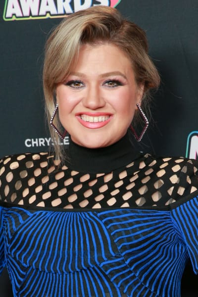 Kelly Clarkson Attends Disney Awards