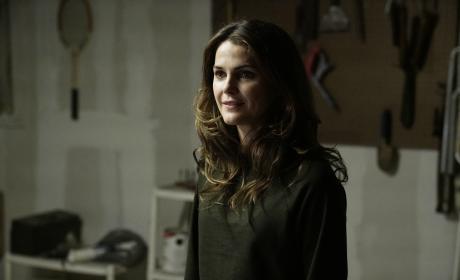 Elizabeth Changes Tactics - The Americans Season 5 Episode 13