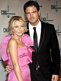 Julianne Hough, Chuck Wicks