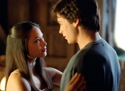 Watch Smallville Season 1 Episode 1 Online