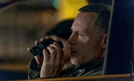 Voight On Stakeout - Chicago PD Season 4 Episode 9
