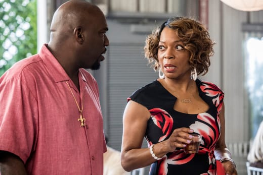 Violet Tries to Keep the Peace - Queen Sugar Season 2 Episode 6