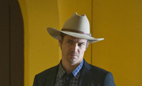 Raylan Givens Poses