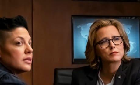 Kat Sits With Elizabeth - Madam Secretary Season 5 Episode 18
