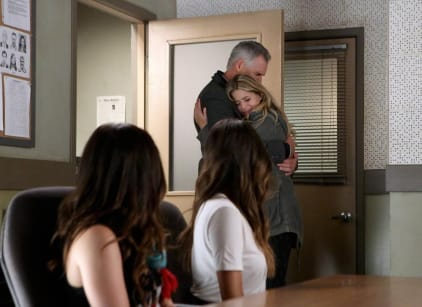 Watch Pretty Little Liars Season 5 Episode 2 Online