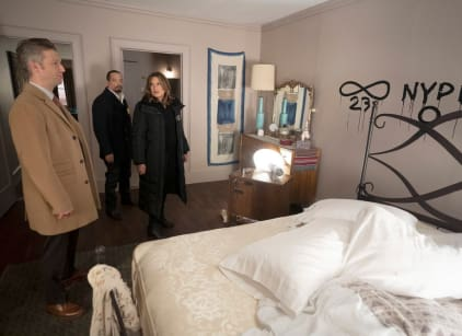 Watch Law & Order: SVU Season 20 Episode 12 Online