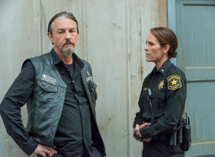 Watch Sons of Anarchy Season 7 Episode 5 Online