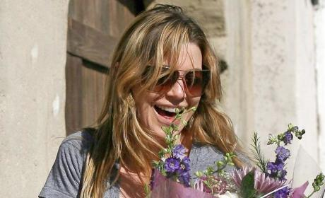 Ellen Pompeo Gets Flowers!