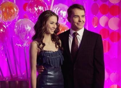 Watch Pretty Little Liars Season 2 Episode 22 Online