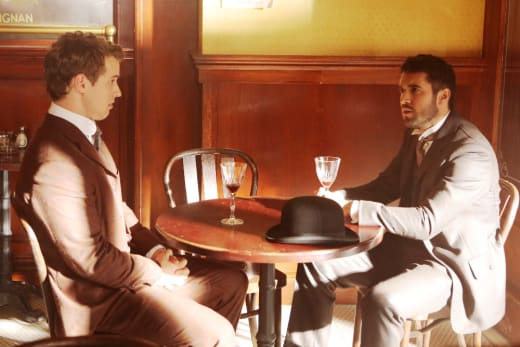 Time Travelers Having Drinks - Time After Time Season 1 Episode 5