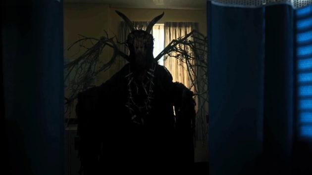 The Gargoyle King Arrives - Riverdale Season 3 Episode 3