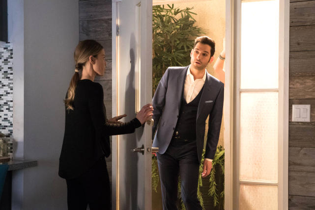 Knock, Knock - Lucifer Season 2 Episode 14