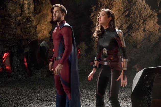 Fighting Worldkillers - Supergirl Season 3 Episode 17