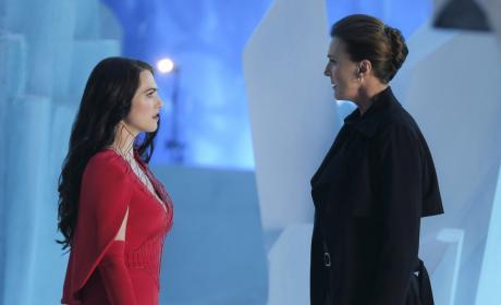 Mom and Daughter - Supergirl Season 2 Episode 21