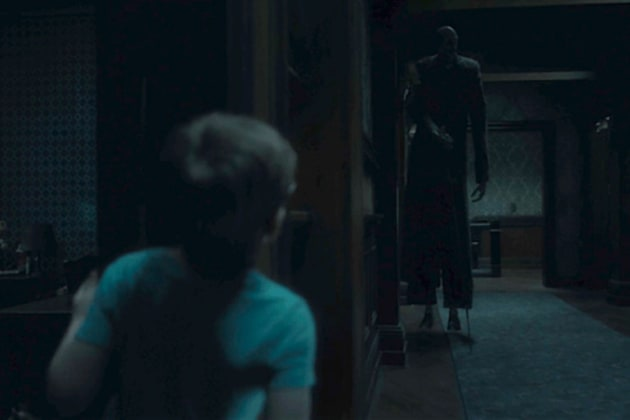 Luke & The Floating Man - The Haunting of Hill House Season 1 Episode 4