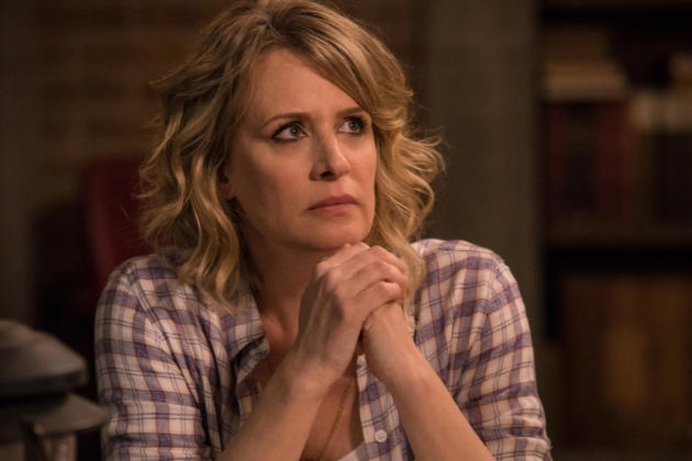 Mary looks concerned - Supernatural Season 12 Episode 23