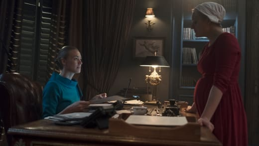 The Dynamic Duo - The Handmaid's Tale Season 2 Episode 8