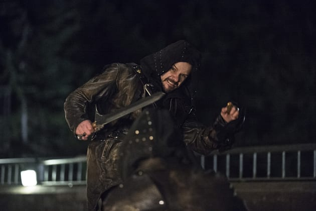 Ouch! - Arrow Season 3 Episode 23