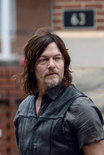 Lighten Up - The Walking Dead Season 9 Episode 15