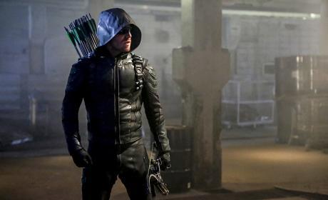Alone - Arrow Season 5 Episode 1