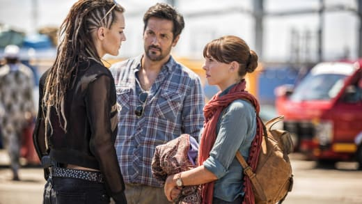 Hooten and Lady Alex Meet a Contact - Hooten and The Lady Season 1 Episode 5