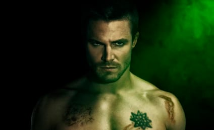 Arrow HOT Shots: Season 2 Cast Photos Set Shirtless Stage