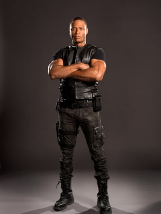 Diggle Minus Helmet - Arrow