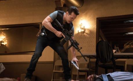 Antonio - Chicago Fire Season 4 Episode 1