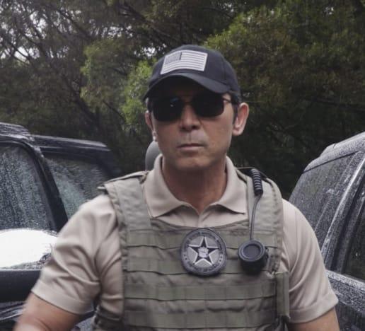 Aggressive pursuer - Hawaii Five-0 Season 7 Episode 14