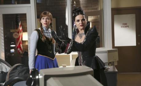 Anne Looks Scared - Once Upon a Time Season 4 Episode 11