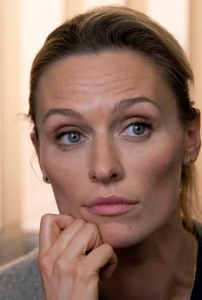 Sarah Looks Bewildered - The Village Season 1 Episode 2
